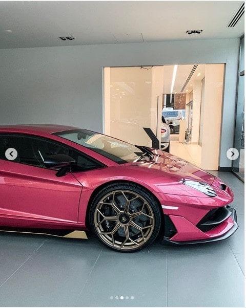 Thú chơi xe - Chiêm ngưỡng Lamborghini Aventador SVJ màu hồng siêu biến hóa (Hình 2).