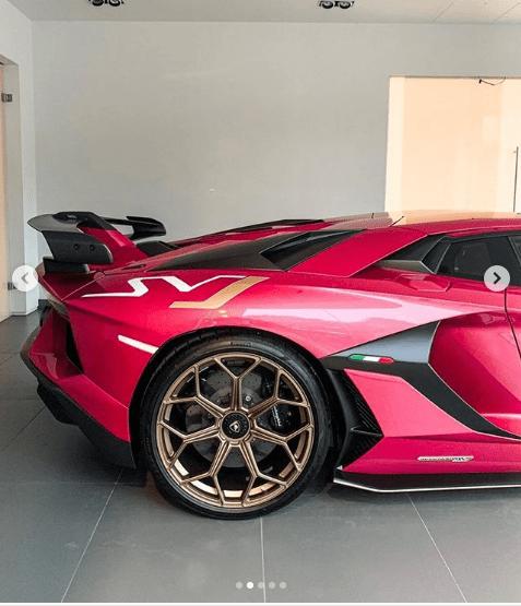 Thú chơi xe - Chiêm ngưỡng Lamborghini Aventador SVJ màu hồng siêu biến hóa (Hình 3).