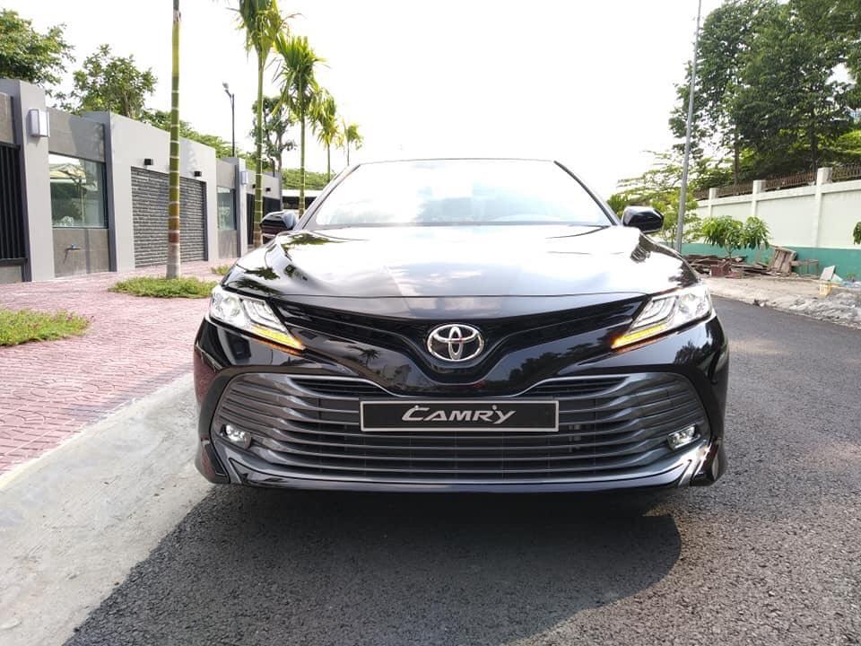 NGOẠI THẤT Toyota Camry 2.0 G