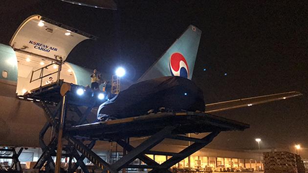 Việc vận chuyển ra nước ngoài bằng đường hàng không giúp VinFast tiết kiệm thời gian