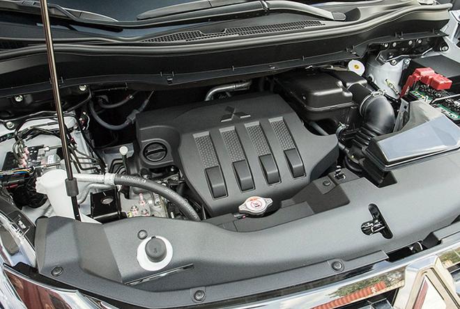 Giá xe Mitsubishi Xpander Cross lăn bánh mới nhất tháng 9/2020