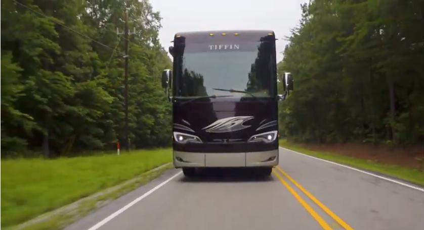 Video biệt thự di động trên xe đắt đỏ bậc nhất thế giới