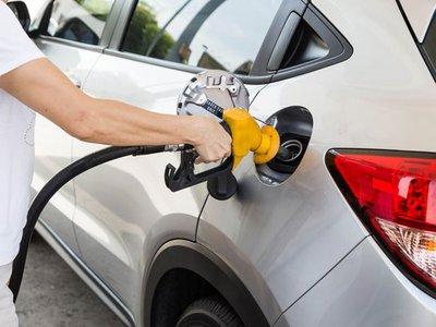 Phát hiện ô tô ngốn nhiên liệu bất thường, hãy kiểm tra ngay những bộ phận này