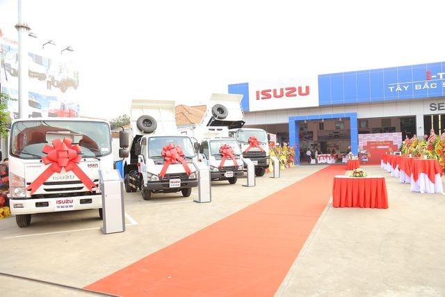 Khai trương đại lý xe thương mại Isuzu i-Trucks Tây Bắc Sài Gòn