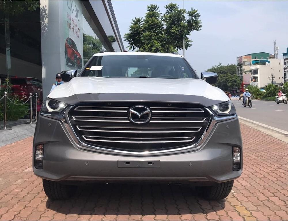 Xuất hiện lượng lớn Mazda BT-50 2021 tại các đại lý, ngày ra mắt sắp cận kề?