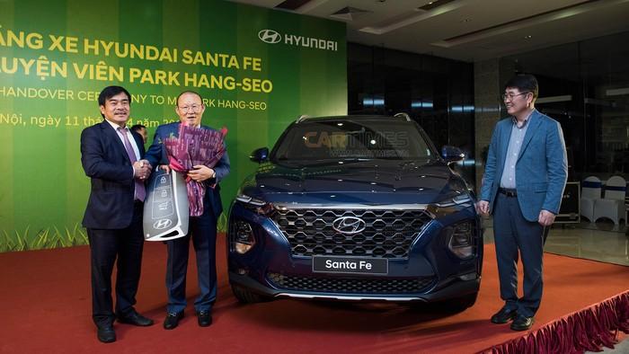 Những chiếc ô tô HLV Park Hang Seo được tặng từ khi dẫn dắt đội tuyển Việt Nam