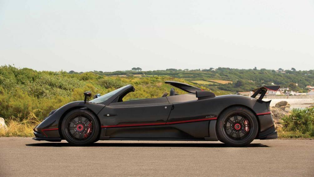 Pagani Zonda Aether 2017 được trang bị động cơ V12, dung tích 7.3 lít, công suất tối đa 749 mã lực