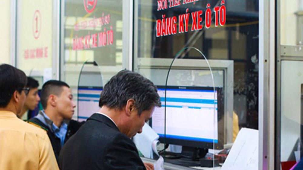 Từ 17/10, phí đăng ký ô tô xe máy tại TP HCM tăng kịch trần