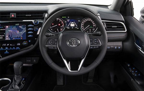 Tiện nghi Toyota Camry 2.5 Q