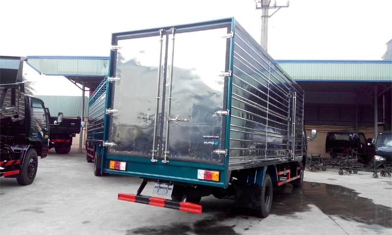 Xe tải Chiến Thắng 4.95 tấn thùng tôn kín