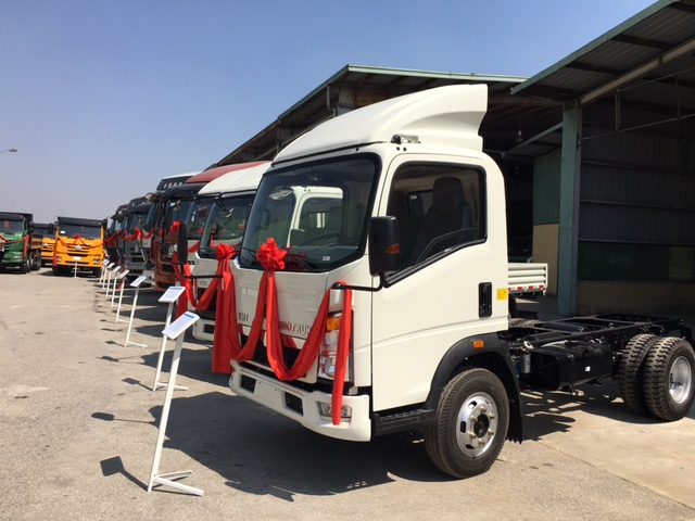 Việt Nam sản xuất xe siêu trường siêu trọng của Trung Quốc